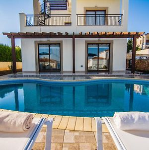 Villa Prengos - Three Bedroom Villa With Private Swimming Pool photos Exterior