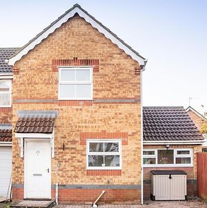 Beautiful 3 Bed House With Great Motorway Access, Close To City Centre photos Exterior