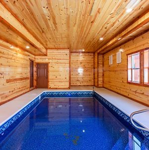 Newly Built 6Bd/6.5Ba Cabin W Hot Tub photos Exterior