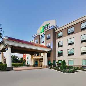 Holiday Inn Express Hotel & Suites Near Seaworld photos Exterior