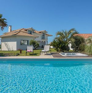 Youcca // Villa Belharra Rental With Swimming Pool And Jacuzzi In Biarritz photos Exterior