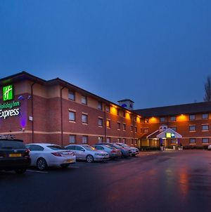 Holiday Inn Express Taunton photos Exterior