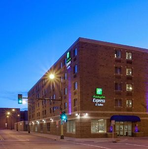 Holiday Inn Express Hotel & Suites Downtown Minneapolis photos Exterior