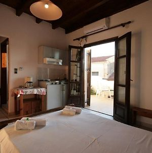 Chania Rooms photos Exterior