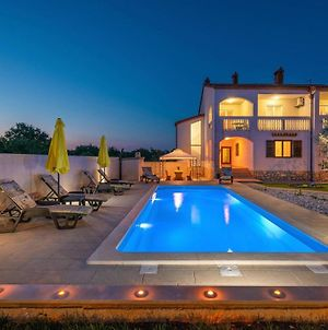 Stunning Home In Pula W/ Outdoor Swimming Pool, Wifi And 4 Bedrooms photos Exterior
