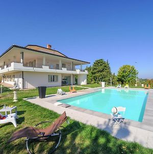 Spacious Villa In Tavullia With Private Swimming Pool photos Exterior