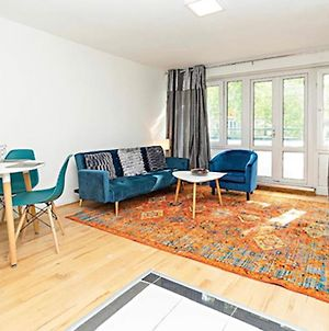 Spacious Airy Apt W Balcony In Kentish Town By Guestready photos Exterior