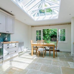 Marvelous 3Br House In Kennington With Garden photos Exterior