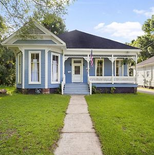 The Mardis Gras Manor - Walkable, Historic, Local Treasure photos Exterior