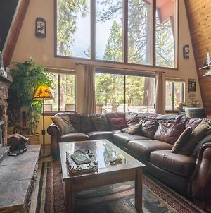 Family Friendly Tahoe Vista Cabin - Walk To Lake! photos Exterior