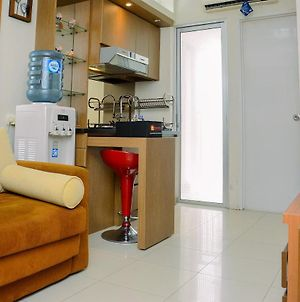 Fully Furnished And Cozy 2Br At Bassura City Apartment By Travelio photos Exterior