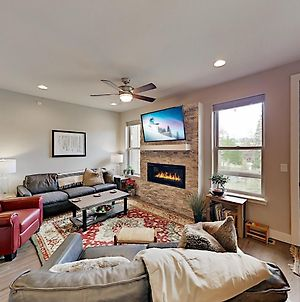 Upscale Mountain-View Retreat By Winter Park Resort Townhouse photos Exterior