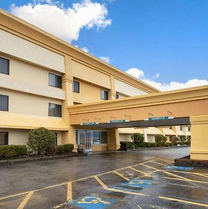 La Quinta Inn By Wyndham Auburn Worcester photos Exterior