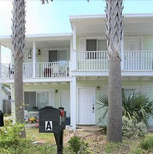 100 Yards From Beach With Pool! ~ Unit A~ Can Rent Both Sides! photos Exterior