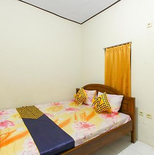 Spot On 1842 Cevilla Bnb Residence Syariah photos Exterior