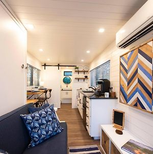 The Bluebonnet-Tiny Container Home Country Setting 12 Min To Downtown photos Exterior