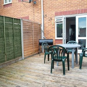 Contractorscleancharming 2-Bed House In Coventry photos Exterior