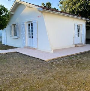 House With 2 Bedrooms In Soulacsurmer With Enclosed Garden photos Exterior