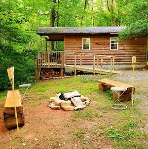 Lil' Log At Hearthstone Cabins And Camping photos Exterior