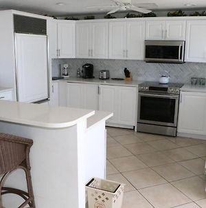 Jamaica Royale 803 Nicely Updated & Great Views! photos Exterior