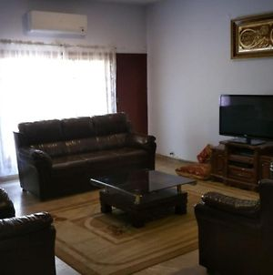 Fully Furnished House photos Exterior