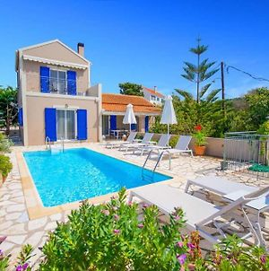 Markantonata Villa Sleeps 5 With Pool Air Con And Wifi photos Exterior