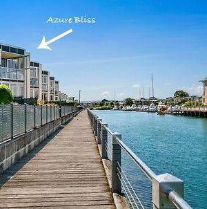 Azure Bliss Family Escape Opposite Beach With Heated Pool Access photos Exterior