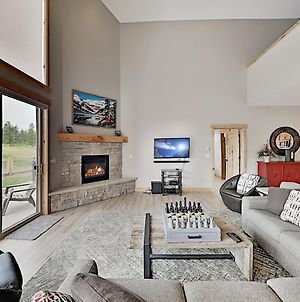 New Listing! New-Build Home W/ Private Hot Tub Cottage photos Exterior