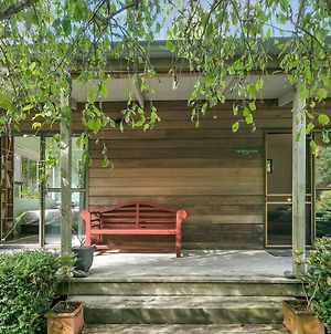 Mahurangi West Cottage By The Beach - Auckland Holiday Home photos Exterior