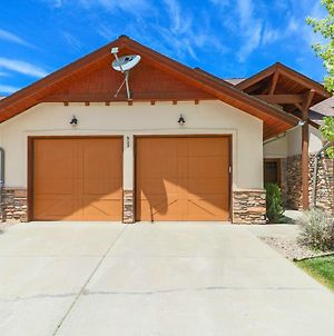 Beautiful 2 Story Town-Home, Air-Conditioning! photos Exterior