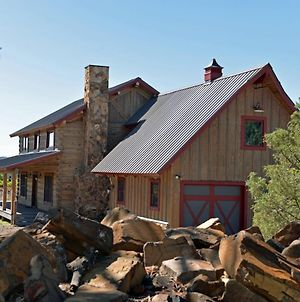 Beautiful Air-Conditioned Log Home With Great View photos Exterior