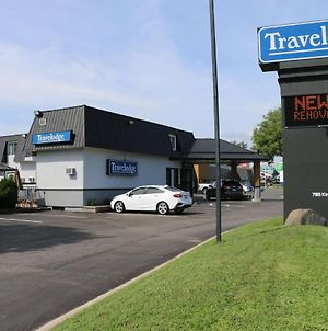 Travelodge By Wyndham Gananoque photos Exterior