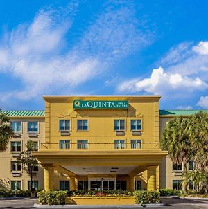 La Quinta Inn & Suites By Wyndham Miami Cutler Bay photos Exterior
