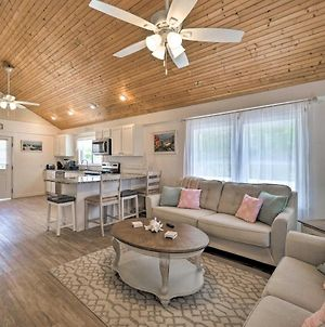 Pet-Friendly Oak Island Home Steps To Ocean Shore! photos Exterior