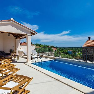 Awesome Home In Cilipi W/ Outdoor Swimming Pool And 5 Bedrooms photos Exterior