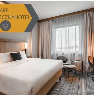 Courtyard By Marriott Warsaw Airport photos Exterior