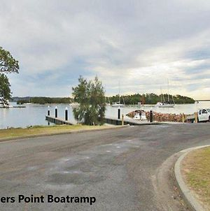 2 141A Soldiers Point Road Large Waterfront Duplex Across From The Bowling Club photos Exterior