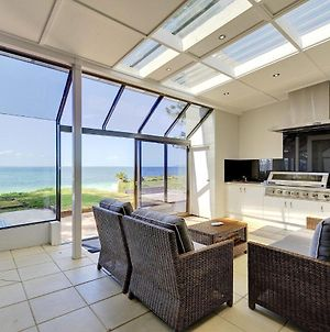 Whispering Sands', 10 Sandy Point Road - Luxury Waterfront Home With Aircon, Wifi & Foxtel photos Exterior