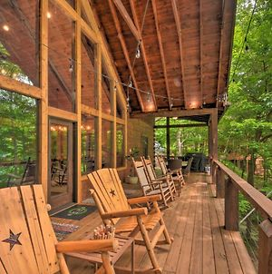 Lakefront Lodge With Decks, Hot Tub, Game Room And More photos Exterior