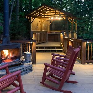Bear Mountain Chalet With Private Deck And Hot Tub! photos Exterior
