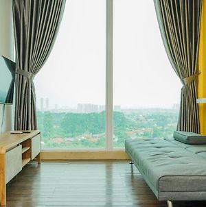 Highest Value 1Br Apartment At Tree Park Bsd By Travelio photos Exterior