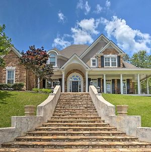Private Forest Mansion With Movie Theatre & Gym! photos Exterior