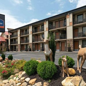 Howard Johnson By Wyndham Pigeon Forge photos Exterior