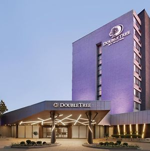 Doubletree By Hilton Hotel Toronto Airport West photos Exterior