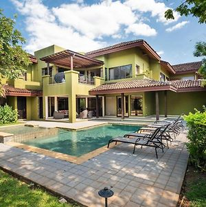 Large Private Residence For 8 With Pool! photos Exterior
