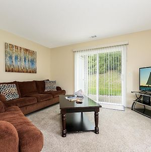✵ Contemporary 2 Bedroom Apt. @ Holiday Village ➠ Unit 3895 ✵ photos Exterior