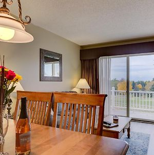 Beautiful Updated 2 Bedroom Golf Course Condo photos Exterior
