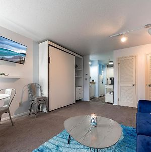 Beautiful Lake View Studio Condo The Shores photos Exterior