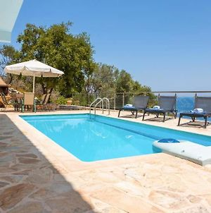 Koroni Villa Sleeps 7 With Pool Air Con And Wifi photos Exterior