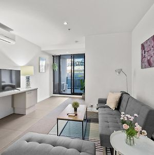 A Bright & Airy Cbd Apt Next To Southern Cross photos Exterior